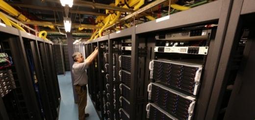 Усилиями ИТ-компании Parallels разрабатывается проект «Росплатформа», в основе которого формально лежит идея создания российского аналога таких платформ как VMware vCloud, Amazon Cloud и Microsoft Azure. Работы предполагается закончить в 2016 году.