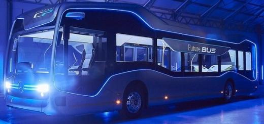 Умный автобус Mercedes-Benz ездит без водителя