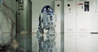 Передвижной холодильник со встроенным проектором Aqua R2-D2 из «Звездных войн» предлагается за $9 000