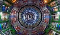 Поведение некоторых субатомных частиц бросает вызов Стандартной Модели