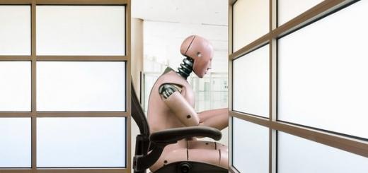 Стивен Хокинг: на самом деле, мы должны опасаться капитализма, а не роботов