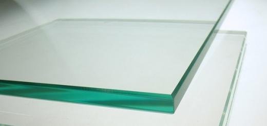 Японские ученые выплавили небьющееся стекло