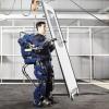 Экзоскелет, превращающий любого человека в робота